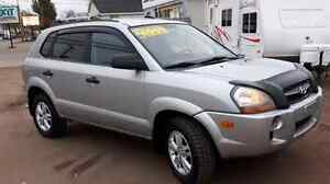LOW KMS! 2009 HYUNDAI TUCSON -EXCELLENT CONDITION IN & OUT!