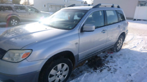 2005 Mitsubishi Outlander AWD 147000 kms ONLY!!