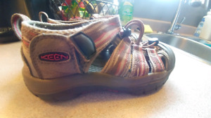KEEN Children's Sandals Like NEW Size 1