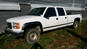 1998 GMC/CHEV  (2500 Series)4-door Pick-Up Truck 4X4