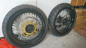 Supermoto wheels and tires