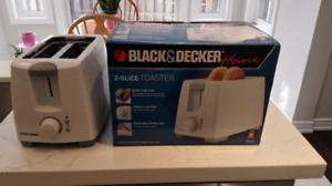 Moving Sale, 5 months new 2-slice toaster