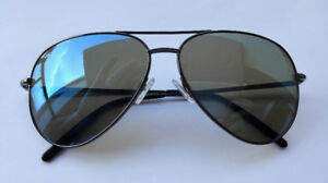 mint condition Serengeti aviator sunglasses made in italy