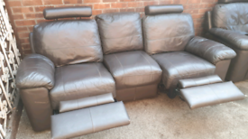 FREE DELIVERY!! LEATHER RECLINING SOFAS 3+1