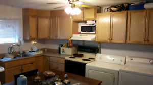 2 bedroom apartment $650 + utilities available Jan 1st