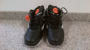 Reebok Pumps sz 11.5 never worn