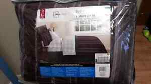 8 piece Double Bed-in-a-bag