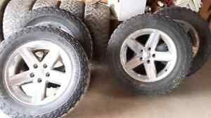 2011 ram rims with 35x12.50R20 mickey thompson tires 750$OBO
