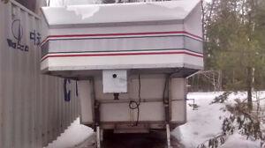 Inclosed trailer