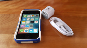 Iphone 4s 16GB  ( BELL & VIRGIN)