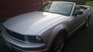 2005 Silver Ford Mustang Convertable
