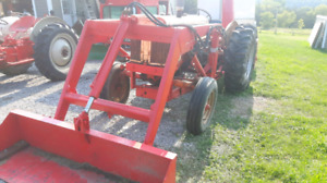 Case 430 tractor with loader