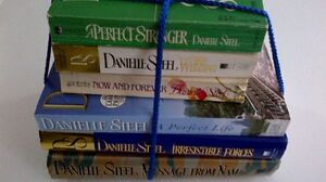 Lot of Six Danielle Steel Novels