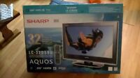 "32"" Sharp Aquos HD Flat screen $180"