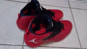 AIR JORDANS (JAYS) - MEN'S SIZE 11 (trade or sale)
