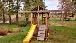 Children's play structure