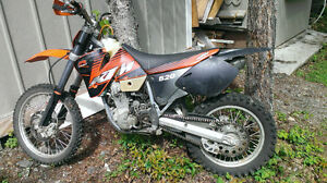 02 KTM 520 EXC, low hours, electric start!