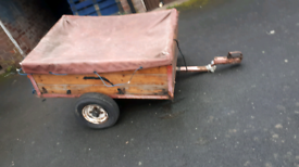 Car trailer cheep needs tlc weel fixing and tyre