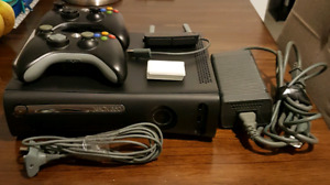 XBOX 360 CONSOLE 120GB WITH ACCESSORIES AND 15 GAMES