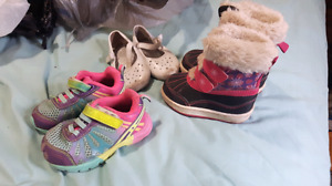 Girls size 5 shoes and winter boots.