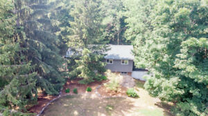 470 Lakeshore Rd E, Oro. FOR SALE by The Curtis Goddard Team