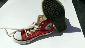 CONVERSE ALL STAR ... ROUGE ...