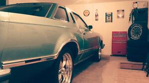 Superbe Ford Thunderbird 1978  à vendre