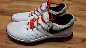 Men's size 12 NIKE runners. Located in Trail