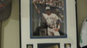 ROBERTO ALOMAR FRAMED SIGNED PICTURE