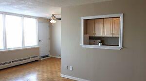 $875 HEAT INCL - FORT HOWE - LARGE 2 BEDROOM MAIN LEVEL