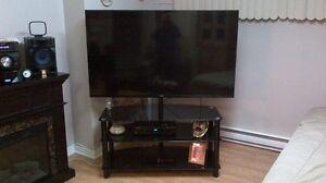 Meuble en vitre noir trempé pivotant pour télé Gatineau Ottawa / Gatineau Area image 3