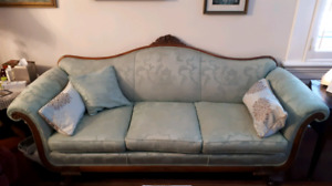 Antique Sofa/Settee/couch