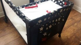 Travel cot with mattress and changing Matt