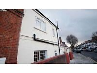 3 bedroom house in The Vale, Acton, W37