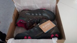 Woman Hiking Boots Size 9 Cornwall Ontario image 5