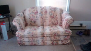 Flower Loveseat/ pullout couch