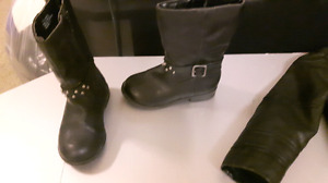 Small girl's size 7 Boots