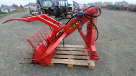 Tractor three point linkage rear loader with bucket and dung graipe