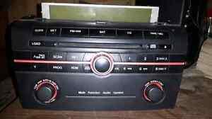 Mazda 3 stereo head