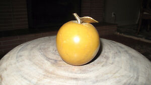 Beautiful vintage genuine colour marble apple paperweight Edmonton Edmonton Area image 1