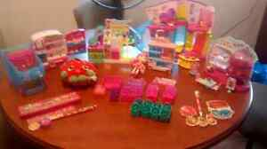 Lot of Shopkins /Playsets and more