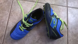 Boys Junior Size 11 Lotto Soccer Cleats