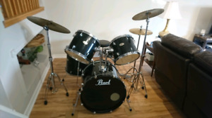Pearl Forum Drum kit in great condition