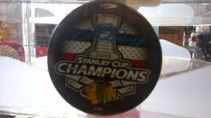 Autographed Patrick Kane Puck  Black Hawks 2015 Stanley Cup Puck