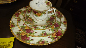 Antique royal doulton 5pc place setting old country rose