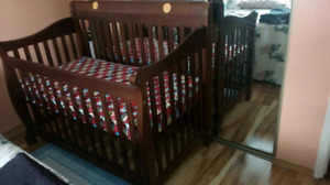 Crib, mattress and crib padding