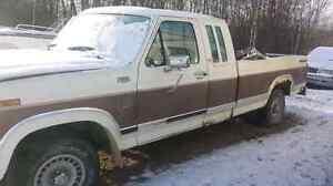 1983 ford 2wd runs good 800$ drive it home