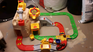 Little tykes train set