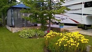FIFTH WHEEL  CRUISER  27 RL 2010 CAMPING MAGOG-ORFORD