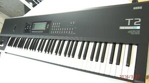 korg T2 Music Workstation 76 notes Excellente Condition (rare)